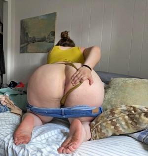 british girl peeing public