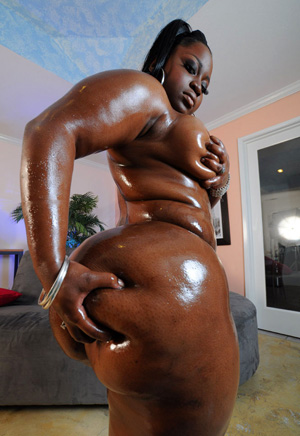 Giant Mega Booty Oiled Ass BBW