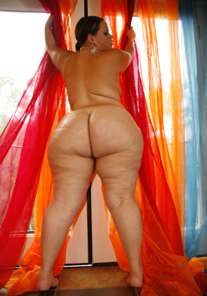 Bottom Heavy Extreme SSBBW Pear
